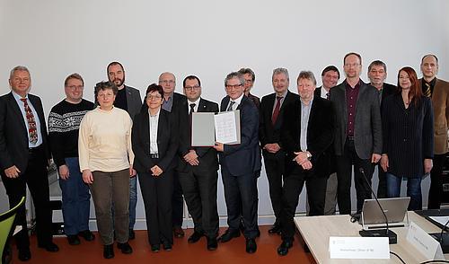 Das Rektorat und die Grundeinheiten unterzeichneten gemeinsam die Zielvereinbarung.