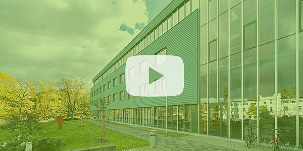 Hochschulgebäude der HSZG mit grünen Overlay