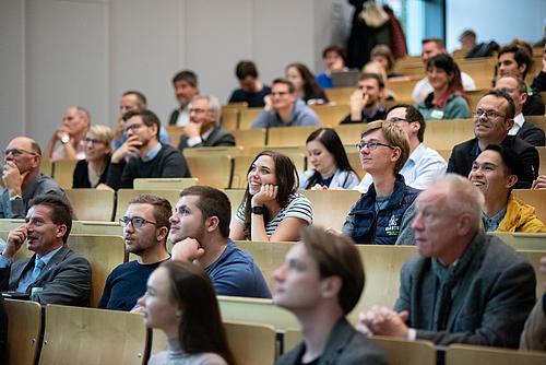 Wir konnten neben den Wissenschaftlern und interessierten Studenten auch Vertreter aus Politik, Wirtschaft und Gesellschaft begrüßen.