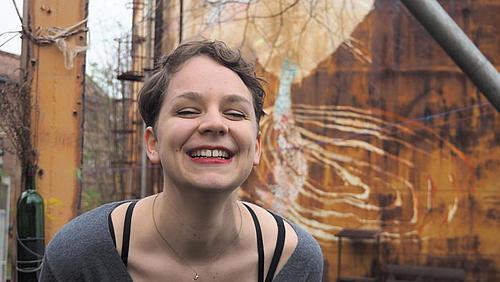 Studentin Ulrike Brantl ist neben anderen verantwortlich für die Kunstausstellung in der Grenzstadt Görlitz