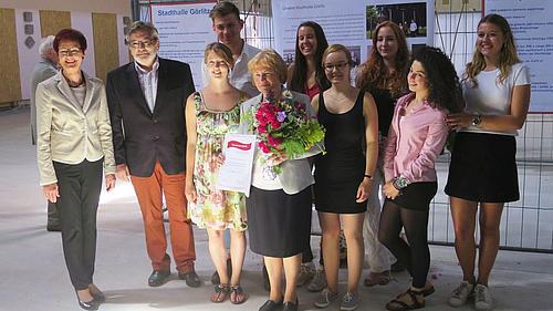 """Die Studierenden freuen sich über die Förderung des Forschungsprojektes  """"Kulturbrücke Neiße - Nysa"""""""