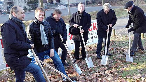 Baustart für eine Glasfaserverbindung zwischen dem HSZG-Wohnheim Vogtshof und dem Netz der Hochschule
