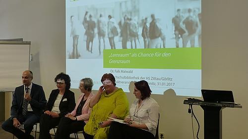 """Das neue deutsch-tschechische Projekt """"Lernraum - Bibliothekarische Informationsplattform"""" wurde eröffnet"""