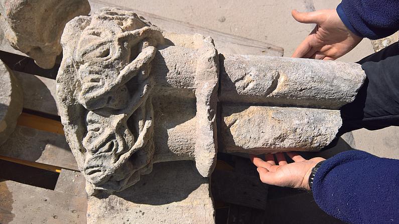 Steinfunde, die bei der Sanierung des Salzhauses geborgen wurden