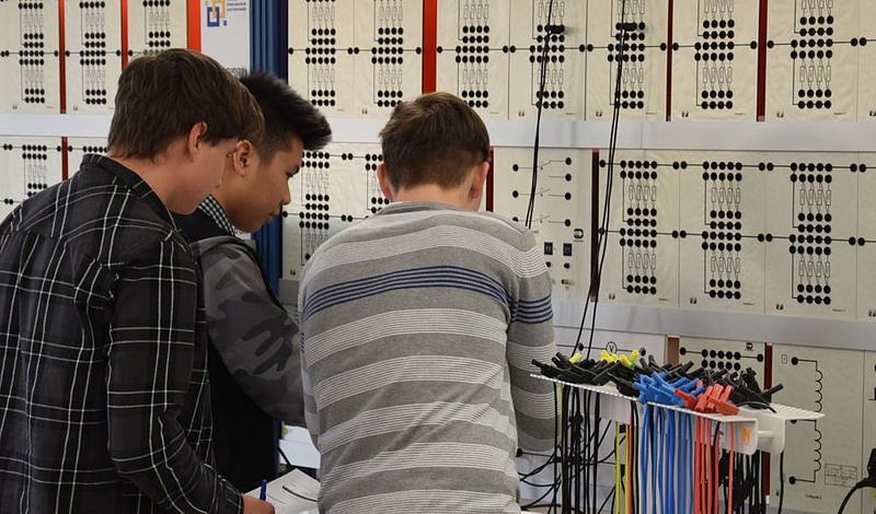 Die Elektrotechnikolympiade findet bereits seit 1995 statt.