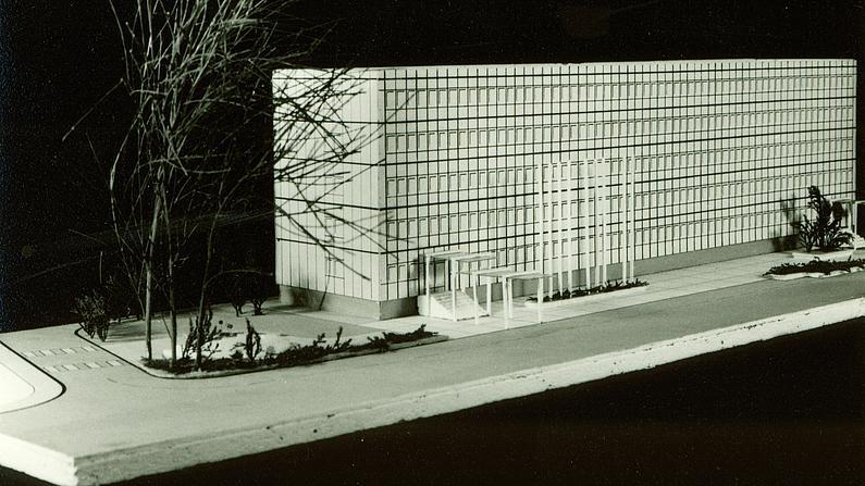 Architekturmodell des ehemaligen Hochschulgebäudes Haus ZIII