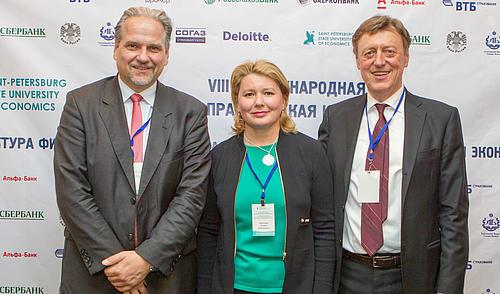 Prof. Dr. Bernhard Koye, Kaleidos University Zürich, Prof. Dr. Tatjana Nikitina, Direktorin des Russisch-Deutschen Zentrums UNECON, Prof. Dr. Clemens Renker