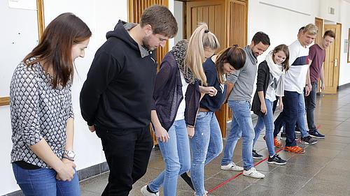 Teamentwicklungsmaßnahmen zur Vorbereitung der Studierenden auf die Projektaufgabe.