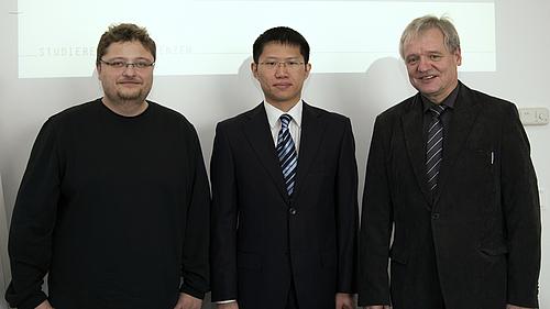 Mit hervorragendem Ergebnis hat Herr Qiji LU sein Masterstudium auf dem Gebiet der Mechatronik abgeschlossen